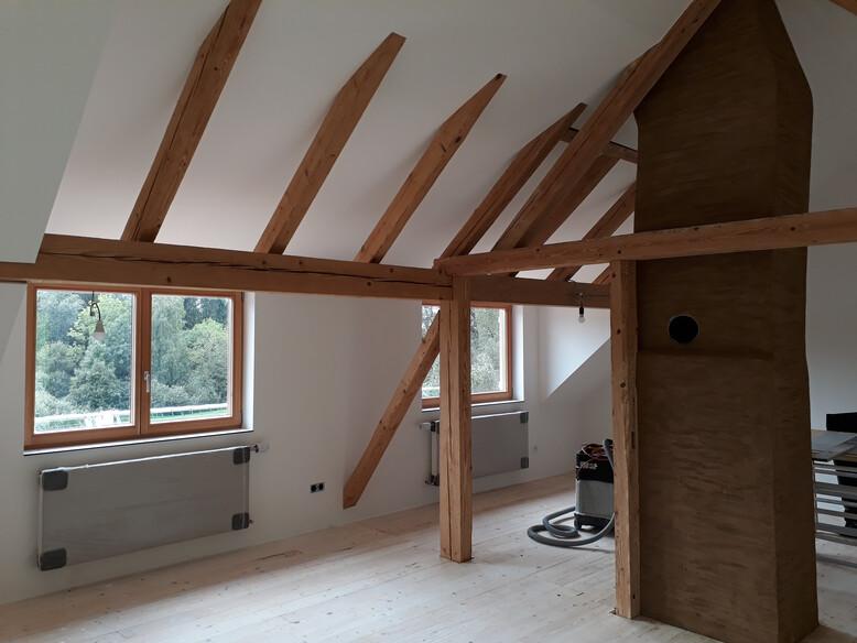 Dachbodenausbau, Koblach, Holzbalken